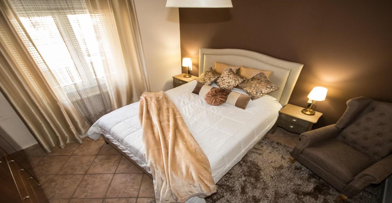 slider2-ipnodomatio-voloshome-airbnb